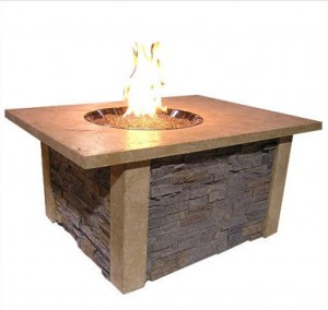 The Outdoor GreatRoom Company Sierra Fire Pit with Ledgestone and Supercast Top